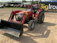 2017 Mahindra 1526H 4WD Compact Utility Tractor W/Loader