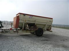BJM 4416T Feeder Wagon