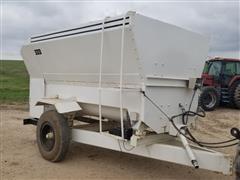 Oswalt 333 4 Auger Mixing Wagon