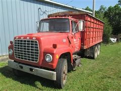 1974 Ford F-800 Grain Truck