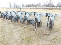 Hiniker 5000 Series Row Crop Cultivator