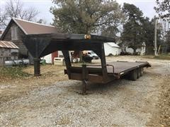 1979 Flying L Loadmaster 10 Tri/A Flatbed Trailer