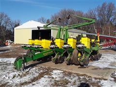 John Deere 1760 Max Emerge Plus 12R30 Planter