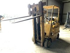 Towmotor By Caterpillar T50 Triple Mast Forklift