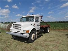 1998 International 4900 Winch Truck