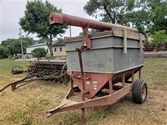 Heider 2-Ton Stinger Auger Wagon