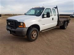 2005 Ford F350 XL Flatbed Truck