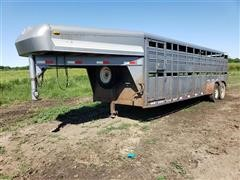 1998 Diamond D 6x24 T/A Livestock Trailer