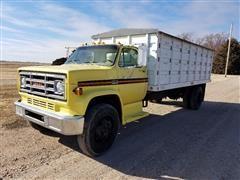 1977 GMC C6500 S/A Grain Truck
