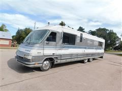 1988 (Titled As A 1989) Fleetwood Limited T/A 2WD Motor Home