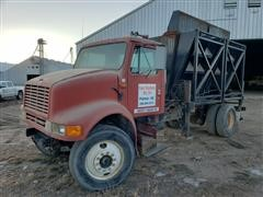 1990 International 7100 Fertilizer Tender Truck