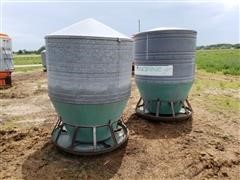 Osborne 60 Bushel Oscillating Hog Feeders