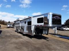 2005 Bloomer 38' T/A Living Quaters Horse Trailer