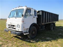1960 Diamond T T/A Grain Truck