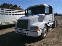 2000 Volvo VNL64T T/A Truck Tractor
