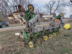 John Deere 886 No Till Cultivator