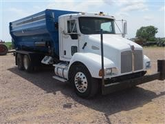 2006 Kenworth T300 Feed Mixer Truck