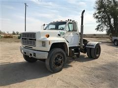 1987 Ford F800 S/A Truck Tractor