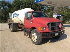 2000 Ford F750 S/A Propane Delivery Truck