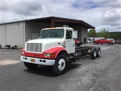 1999 International Navistar 4900 T/A 2WD Truck Tractor