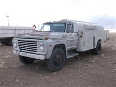 1972 Ford 700 Fuel Truck