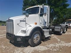 2014 Kenworth T800 T/A Truck Tractor W/Low Profile Day Cab