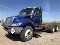 2004 International 4400 T/A Cab & Chassis