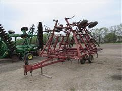 Case IH 4600 Vibra Shank Field Cultivator With Harrow