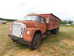 1973 International Loadstar F1850 T/A Grain Truck