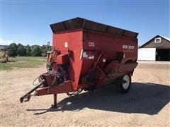 Sioux Automation Center 1315 Mono Mixer Feed Wagon