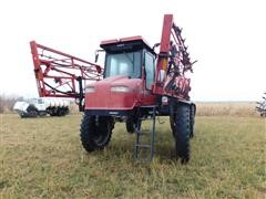 Case IH SPX4260 Self-Propelled Sprayer
