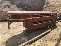 1986 Travalong T/A Livestock Trailer