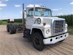 1977 Ford 8000 Custom Cab T/A Cab & Chassis