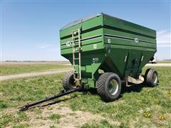 J&M 750-SD Gravity Wagon