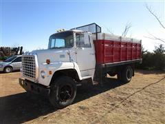 1977 Ford LN800 S/A Grain Truck