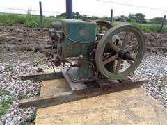 McCormick-Deering Antique 3 HP Gas Engine