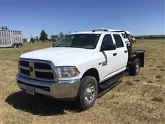 2015 RAM 3500 4x4 Crew Cab Flatbed Pickup