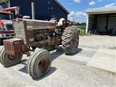 1969 International F1256 2WD Tractor