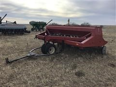 International 7100 Grain Drill