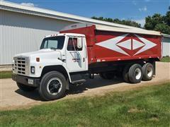 1979 International 1854 T/A Grain Truck W/2011 19' Crysteel Box