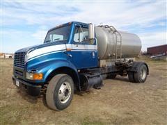 2000 International 8100 Fertilizer Truck