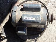 GE 1-1/2 HP 220V Electric Motor