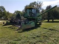 1983 John Deere 4420 Combine With 213 Flex Head