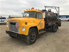 1975 International Loadstar 1600 S/A Oiler Truck