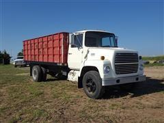 1974 Ford F-700 Grain Truck