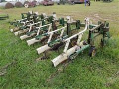 "John Deere 825 6R30"" Row-Crop Cultivator"