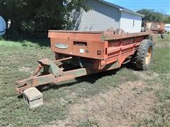 New Idea 217 S/A Manure Spreader