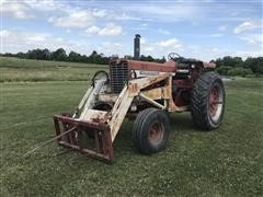1967 International 856 2WD Tractor W/Loader