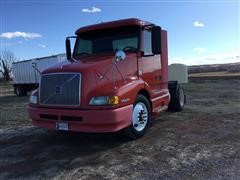 1999 Volvo VNL42T300 S/A Truck Tractor