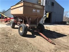 M&W Little Red Wagon Gravity Wagon